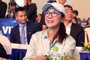 Sao Ngọa Hổ Tàng Long Dương Tử Quỳnh tặng mũ bảo hiểm cho học sinh ở Hà Nội