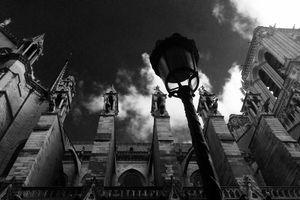 Nhà thờ Đức Bà Paris - vĩ đại 700 năm, thành tro tàn trong phút chốc