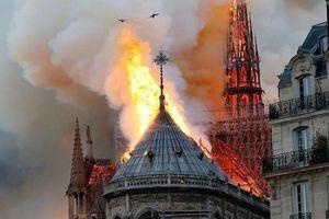 Nhà thờ Đức Bà Paris đã cháy thế nào?
