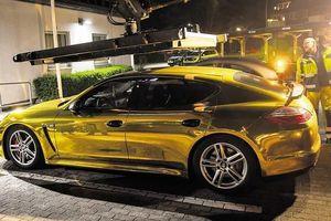Xe Porsche 'mạ vàng' bị cảnh sát tịch thu