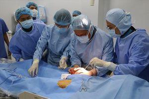 Đặt Stent Graft cứu bệnh nhân bị phình động mạch chủ ngực
