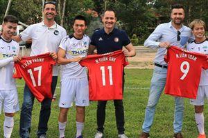 Tin tối (16.4): 'Cầu thủ Việt Nam đủ khả năng chơi bóng ở Hà Lan'