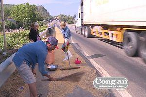 Chấn chỉnh tình trạng phơi lúa trên Quốc lộ 1A