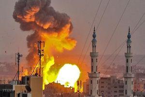 Syria: SAA nã 40 tên lửa xuống nam Idlib và bắc Hama
