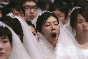 Nỗi sợ kết hôn của thanh niên Hàn Quốc