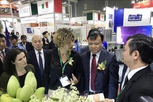 Hướng doanh nghiệp tới mục tiêu xây dựng chiến lược Thương hiệu Quốc gia Việt Nam