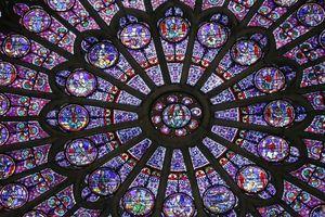 Số phận những cổ vật lịch sử vô giá trong nhà thờ Đức Bà Paris sau vụ cháy kinh hoàng