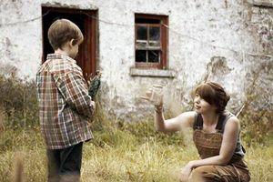 'Hố tử thần': Phim về tình mẫu tử gây ám ảnh