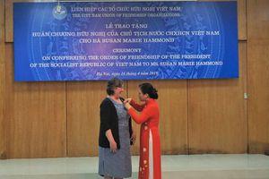 War Legacies Project nhận Huân chương hữu nghị vì 20 năm gây quỹ giúp Việt Nam