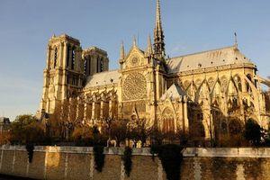 Nhà thờ Đức Bà - biểu tượng tinh hoa của Paris