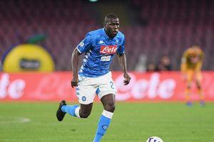 M.U 'vung' 90 triệu bảng mua hậu vệ ngôi sao của Napoli