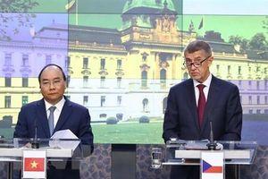 Phát triển và nâng tầm quan hệ Việt Nam-Séc, Romania