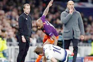 Manchester City - Tottenham (Lượt đi 0-1): Tấn công và phòng ngự