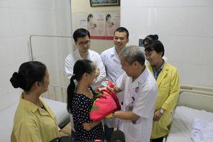 Bác sĩ tim mạch và sản khoa cùng... đỡ đẻ