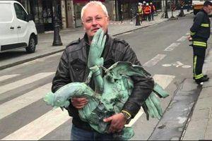 Tìm thấy tượng gà trống trên tháp Mũi Tên Nhà thờ Đức Bà Paris