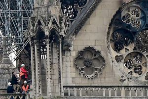 Bao nhiêu kiệt tác nghệ thuật bị thiệt hại trong vụ cháy nhà thờ Đức Bà?