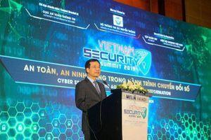 Bộ trưởng Nguyễn Mạnh Hùng: 'Làm cho Internet an toàn hơn, tức là làm cho đất nước thịnh vượng hơn'