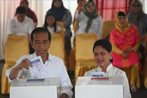 Bầu cử Indonesia: Đương kim Tổng thống Joko Widodo tạm dần đầu