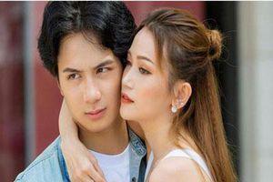 Chia tay Sĩ Thanh, bác sĩ đẹp trai bị chỉ trích vì miệt mài tìm vợ, hết 'Người ấy là ai' lại đến show hẹn hò gây sốc nhất Việt Nam