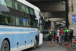 Hà Nội: Nhan nhản bến cóc tự phát gần các bến xe lớn