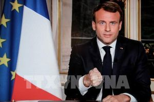 Tổng thống Pháp hủy bài phát biểu liên quan phe 'Áo vàng' sau vụ cháy Nhà thờ Đức bà Paris