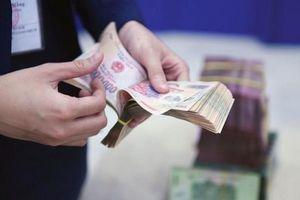 Ngân hàng Nhà nước bơm ròng, thanh khoản các ngân hàng thương mại vẫn 'căng'