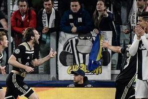 Ronaldo ghi bàn, Juve vẫn ngậm ngùi rời Champions League