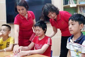 Trường mầm non Ánh Sao (quận Cầu Giấy, Hà Nội): Sẻ chia cùng trẻ nhỏ không may mắn