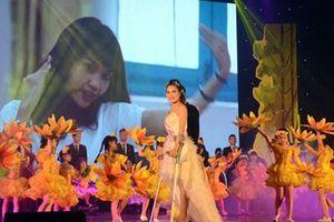 Bế Thị Băng giành vương miện 'Vẻ đẹp Vầng trăng khuyết' 2019