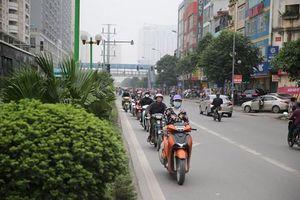 Khiếp sợ cảnh 'Ninja' nối đuôi nhau chạy ngược chiều... né đường tắc ở HN