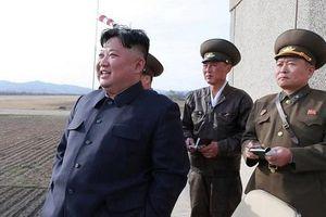 Triều Tiên thử nghiệm vũ khí chiến thuật mới, ông Kim Jong-un đích thân giám sát