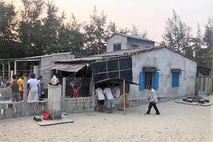 Tai nạn thương tâm, hai bé trai bị sóng biển cuốn tử vong