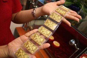Giá vàng trong nước liên tục giảm sâu xuống mức thấp