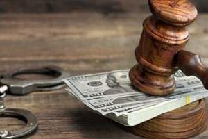 Tuyên án thẩm phán gọi 3 bị cáo vào phòng đòi 'chung chi'