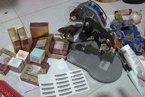 Cảnh sát phát hiện kho mỹ phẩm nhái các thương hiệu nổi tiếng tại thành phố Vinh