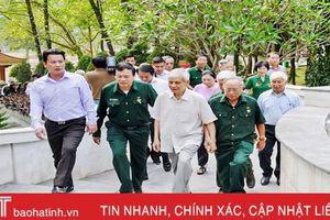 Dâng hương tưởng nhớ, tri ân các anh hùng liệt sỹ tại Ngã ba Đồng Lộc