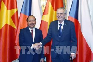 Thủ tướng Nguyễn Xuân Phúc hội kiến Tổng thống CH Séc