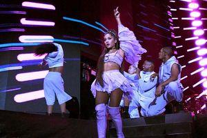 Fan US-UK 'dậy sóng': Cát sê Ariana Grande tại Coachella nhiều hơn cả Lady Gaga và Beyoncé cộng lại?