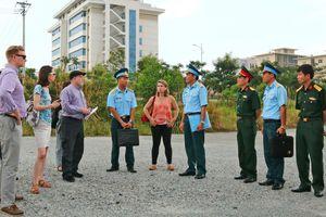 Đoàn trợ lý Nghị sỹ Hoa Kỳ thăm khu xử lý dioxin tại Đà Nẵng