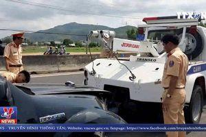 Đại úy CSGT qua đời vì bị tài xế xe 'điên' ép xe ngã