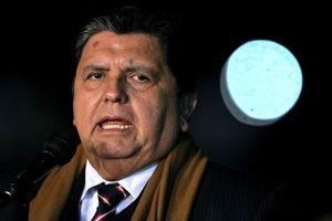 Bị bắt để điều tra tham nhũng, cựu Tổng thống Peru dùng súng tự sát