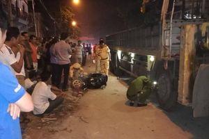 Va chạm với xe tải cẩu, nam sinh lớp 10 chết thảm dưới gầm xe