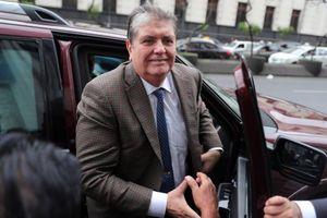 Cựu Tổng thống tự sát: Nghi vấn tham nhũng rung chuyển Peru