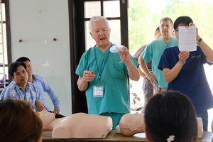 800 bệnh nhân nghèo Thừa Thiên-Huế được khám và cấp thuốc miễn phí