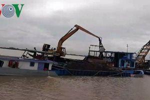 Bến Tre: Cát tặc vẫn tung hoành trên sông