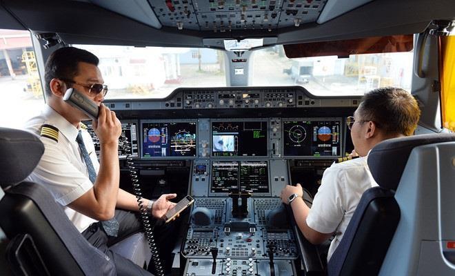 Phi công Vietnam Airlines nhận lương 132,5 triệu đồng/tháng