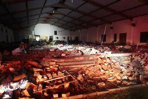 Nhà thờ Nam Phi sập tường ngay trước lễ Phục sinh, 13 người chết