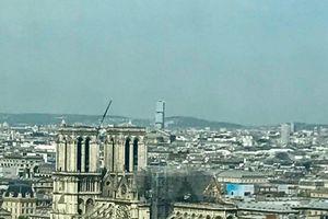 Với Nhà thờ Đức Bà Paris...