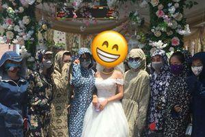 Cười té ghế với hội chị em 'ninja' đi đám cưới ngày nắng đổ lửa