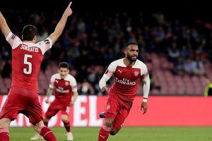 Arsenal và Chelsea đồng hành vào bán kết Europa League
